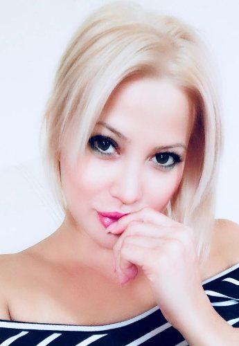alberta-blonde-escort-4